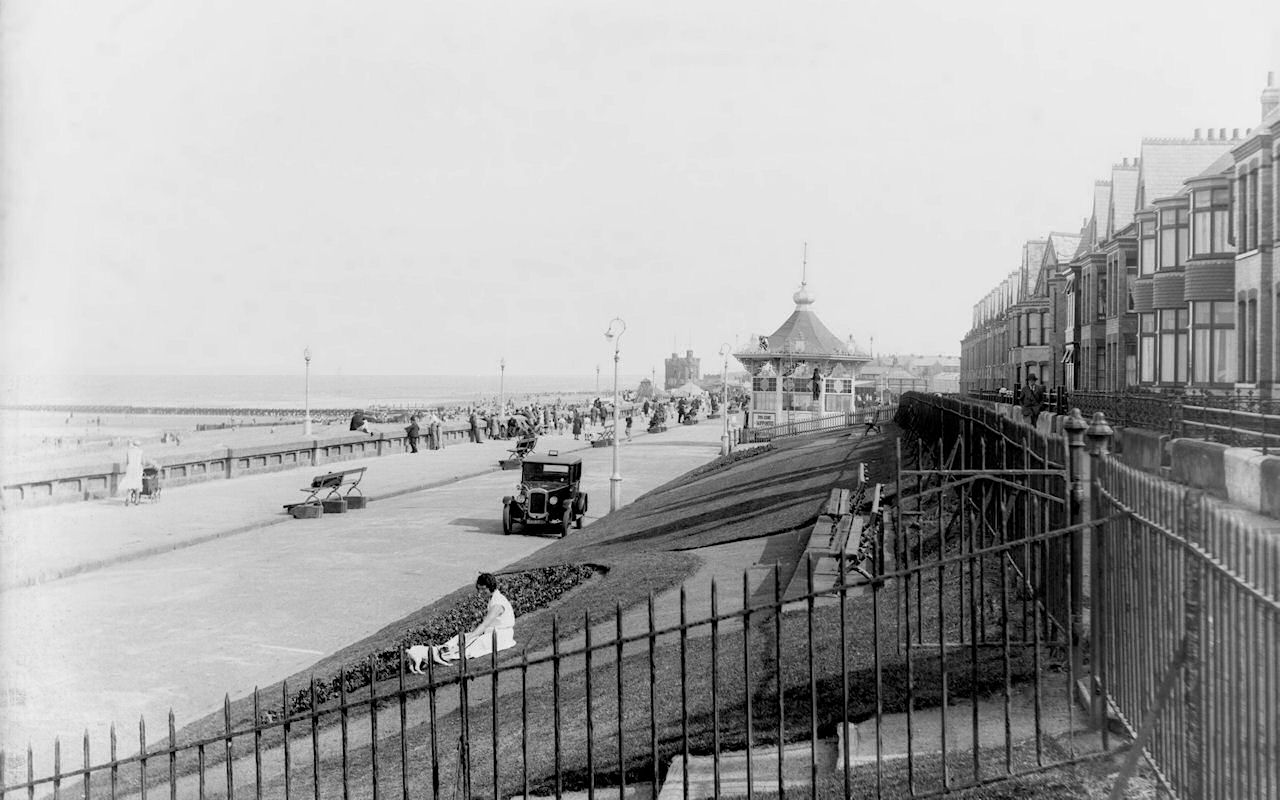 North Promenade and Bandstand, Withernsea