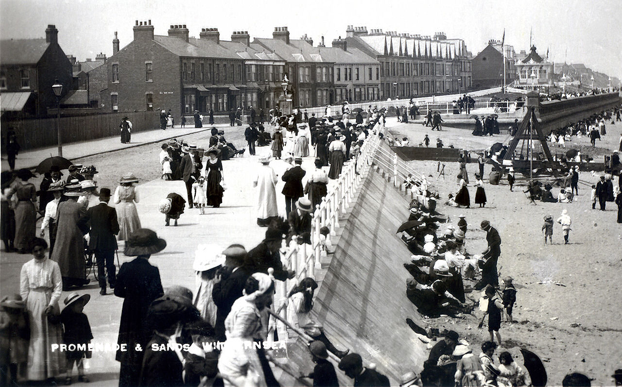 Withernsea Central Promenade 1915