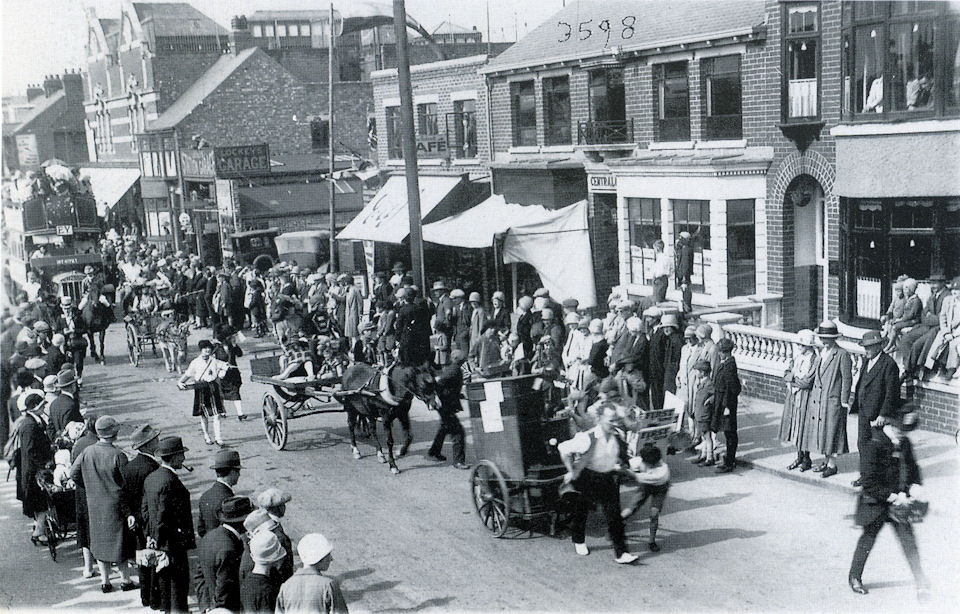 Carnival Parade in Queen Street 1927